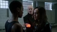 Damien, Eleanor i Kuasa torturują Raya Palmera (2)