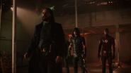 Vandal Savage met Green Arrow, Flash, Ra's al Ghul in magazine (6)