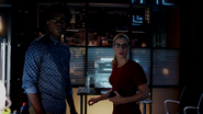 Curtis Holt and Felicity Smoak escapes from Double Down (2)