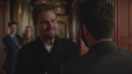 """Oliver """"returns"""" to the Queen Mansion of Earth-2"""