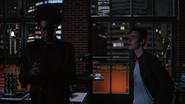 Curtis i Nick rozmawiaja o sobie, tuż przed atakiem najemników Diaza