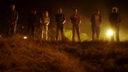 Citizen Cold ratuje chłopaka i bohaterów Ziemi-1 przed rozstrzelaniem (2)