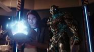 Savitar try kill Wally and Barry (1)