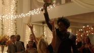 Curtis oraz Rene bawią się na weselu Queena (2)