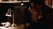 Amaya i Nate zgodnie z radą Zari, postanawiają nie ukrywać swoich uczuć