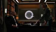 Laurel prosi Quentina o podpisanie dokumentów Diaza (1)