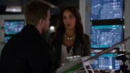 Mari McCabe advises Oliver Queen (5)