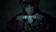 Papa Midnite create voodo Constantine (2)