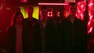 Barry, Cisco, Ralph, Joe i Harry w klubie ze striptizem