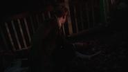 Zespół okultystów próbuje złapać niebezpiecznego mężczyznę (8)