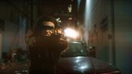 Dinah postrzela Laurel w walce (2)