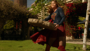 Supergirl and Flash fight on Silver Banshee and Livewire (4)