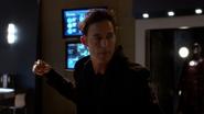 Harrison Wells (Earth-2) fight in Jay Garrick in S.T.A.R. Labs (6)
