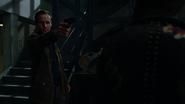 Cayden James osobiście poznaje Felicity Smoak (2)