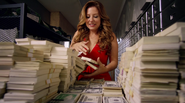 Becky Sharpe okrada bank (5)
