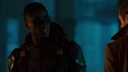 Green Arrow (Connor Hawke) help Sara and Rip (3)