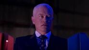 Eobard Thawne catch Damien Darhk in Time Travel (9)