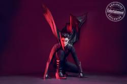 Batwoman - Entertainment Weekly Kate Kane promo 3.png