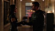 Oliver ukazuje dume z Dinah