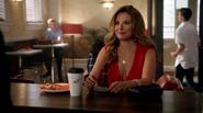 Rebecca Sharpe poznaje Barry'ego Allena (2)
