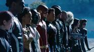 Bohaterowie Ziemi-1 stają do walki z nazistami z Ziemi-X (3)