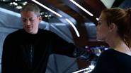 Leo odkrywa relację Avy i Sary (2)