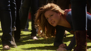 Supergirl and Flash fight on Silver Banshee and Livewire (10)