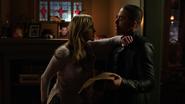Laurel grozi Diazowi w domu Quentina