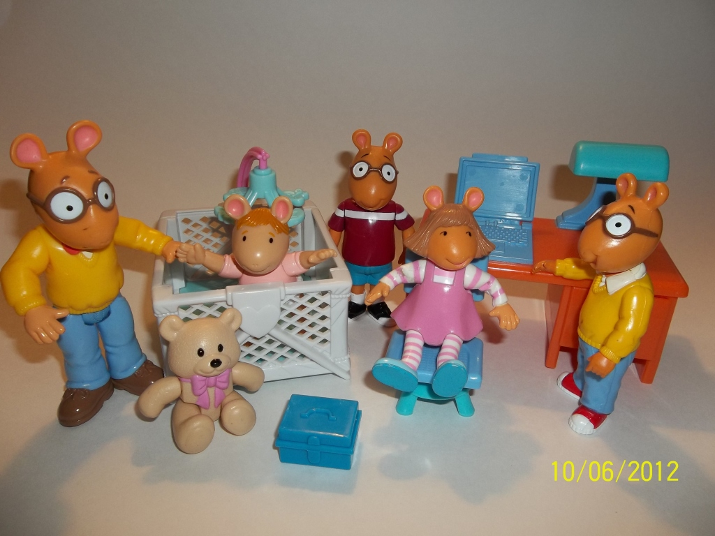 Arthur Hasbro Figures