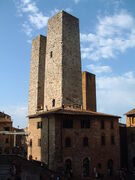 450px-San Gimignano - Torres