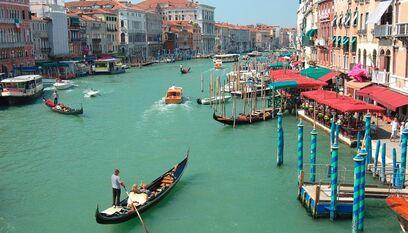 Veneza-830x474 830x474