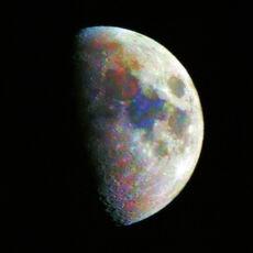 Moon in color 23062007 225849.jpg