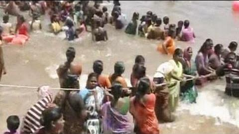 Anti-nuclear protesters begin jal satyagraha at Kudankulam