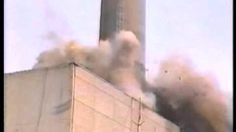 Kaminsprengung_Kernkraftwerk_Niederaichbach
