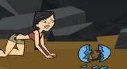 Heather trova la statuetta TDAS