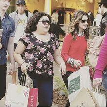 Larni Shopping.jpg