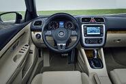 2011-VW-Eos-11