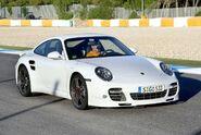 Porsche-911-turbo-us-version-2010-39