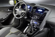 2011-Ford-Focus-6
