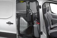 Peugeot-Partner-Crew-Van-0016