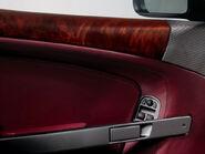 Aston-martin-db9 in door