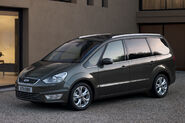 2010-Ford-Galaxy-MPV-1
