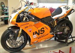 British Superbike 996RS Troy Bayliss.jpg