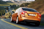 2011-Volvo-S60-Sedan-10
