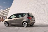 2011-Opel-Meriva-11