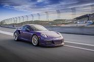 2016-Porsche-911-GT3-RS-front-three-quarter-in-motion1