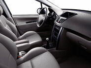 2010-Peugeot-207-5d-33