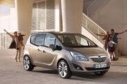 2011-Opel-Meriva-10