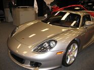 800px-Porsche carrera gt front