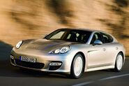 2010-Porsche-Panamera-4